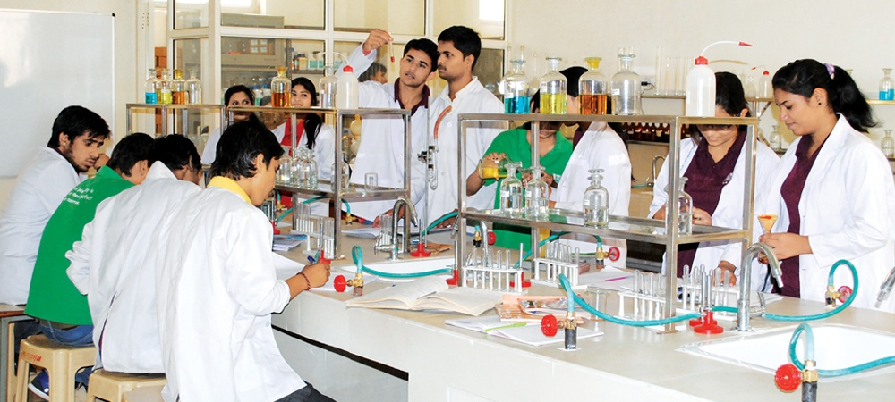 understanding of generic medicines in pharmacy students Generic versions of brand-name drugs are reviewed and approved by the fda the fda works closely with all pharmaceutical companies to make sure that all drugs sold in the us meet appropriate standards for strength, quality, and purity.
